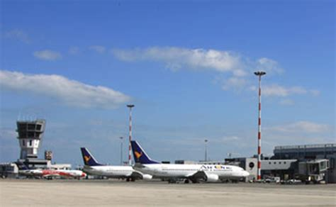 indirizzo porto di bari programma partenze aeroporto di bari