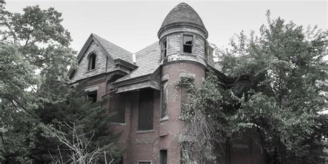 houses in america the 13 scariest real life haunted houses in america business insider