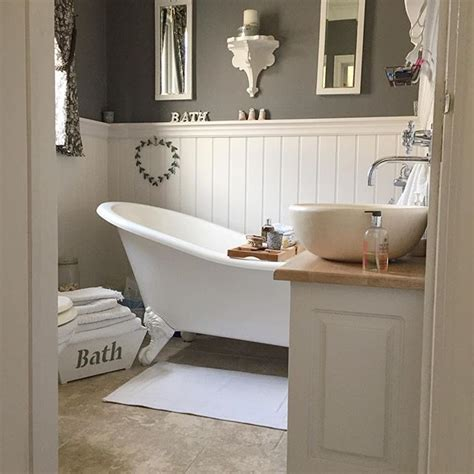 small country bathroom ideas 25 best ideas about grey bathroom decor on