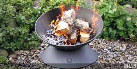 feuerschale drinnen feuerstellen ofen baule f 252 r drau 223 en und drinnen