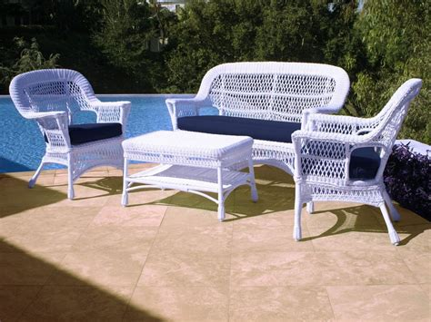 Patio Furniture Uk Enjoy The Summer With Wicker Patio Furniture Wicker Furniture Ingrid Furniture