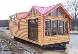 log cabin trailer cottage i wanna place one of these in the empty space across from