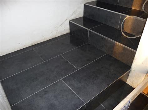 geflieste treppen die treppe wurde komplett fertig gefliest jetzt wird
