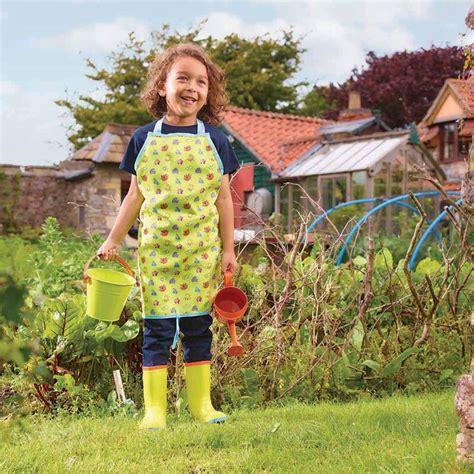 attrezzi da giardino per bambini oltre 25 fantastiche idee su attrezzi da giardino su