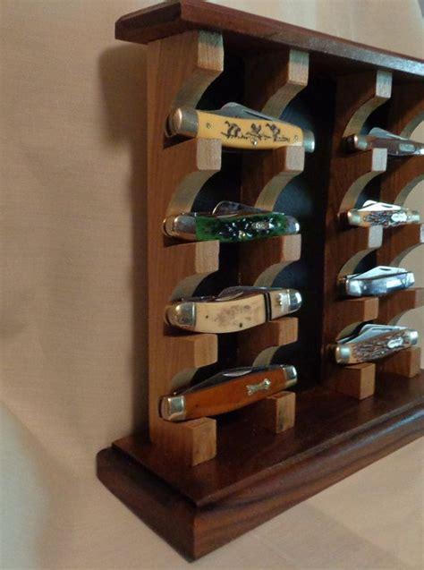 collector knife display cabinet en iyi 17 fikir knife display te