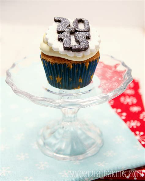 new year themed cupcakes new years themed cupcakes cake decorating bundle