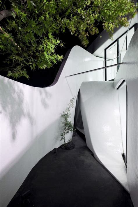celluloid jam house wraps around itself celluloid jam house wraps around itself