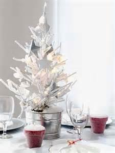 36 impressive christmas table centerpieces decoholic