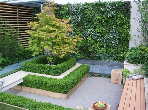 City Backyard Landscaping Ideas by Rhs Chelsea 2009 Eco Chic Garden And Plant Photos