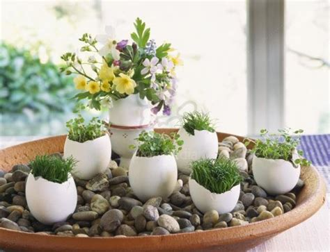 eierschalen vase egg shell and flower ideas for eco friendly easter decorating
