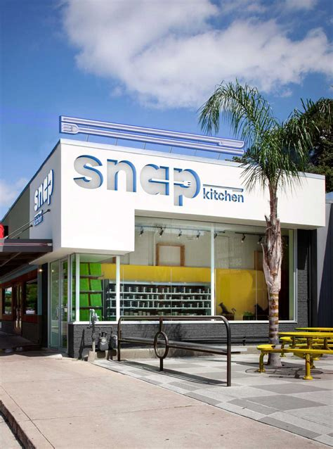 Kitchen Stores In Houston by Snap Kitchen Stores Sport New Look Houston Chronicle