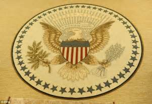 White Oval Rug Obama Wrongly Attributes Quotes On His New Oval Office Rug