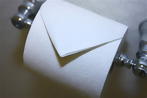 Folded Toilet Paper - 15 things even we didn t about las vegas hotel