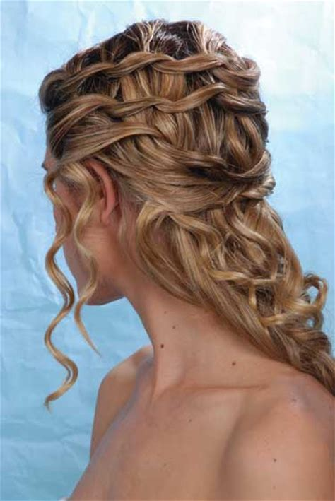 Wedding Hairstyles For Hair Half Up 2012 by Wedding Hairstyles For Hair Half Up With Veil 2012