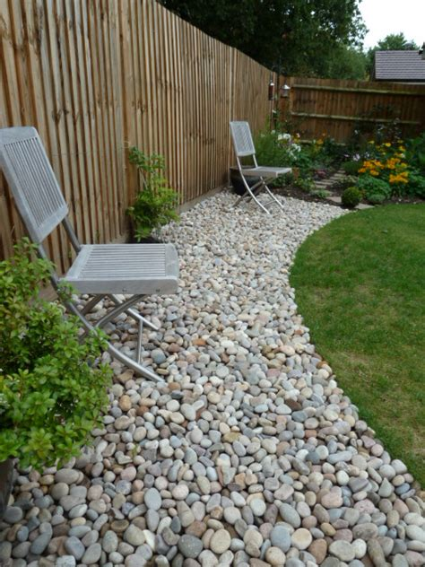 Decorative Gravel Garden Ideas by Decorative Landscape Border Ideas Gravelmaster