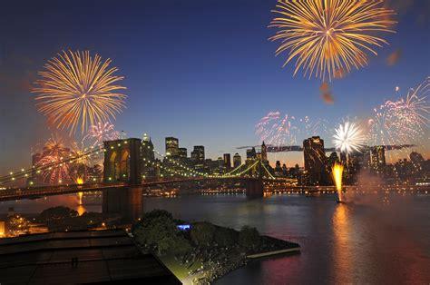 new year nyc 2016 fireworks grucci l italia pirotecnica italia a stelle e strisce