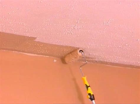 Best Roller For Ceiling Paint by How To Paint A Ceiling Diy