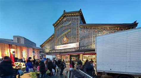 porta palazzo torino mercato shopping 224 turin march 233 s aux puces brocantes et friperies