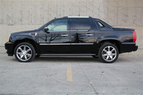 cadillac escalade ext 2007 2007 cadillac escalade ext awd rear dvd 22in wheels