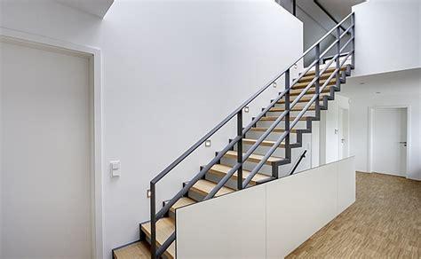 treppengel nder aluminium au en treppen modern die 25 besten ideen zu moderne treppe auf