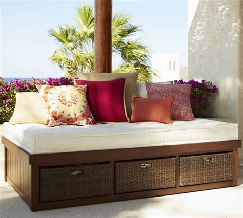 pottery barn stratton daybed how quality product designs pottery barn daybed sofa