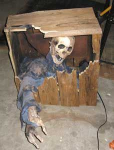 Diy Animated Yard Decorations Diy Do It Your Self Living Dead Grave Hauntproject Your Visual Source For Haunting How To S