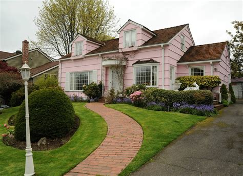exterior house colors 7 shades that scare buyers away pink house exterior house colors 7 shades that scare