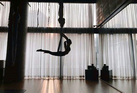 blackpink yoga jisoo s flying yoga blink 블링크 amino