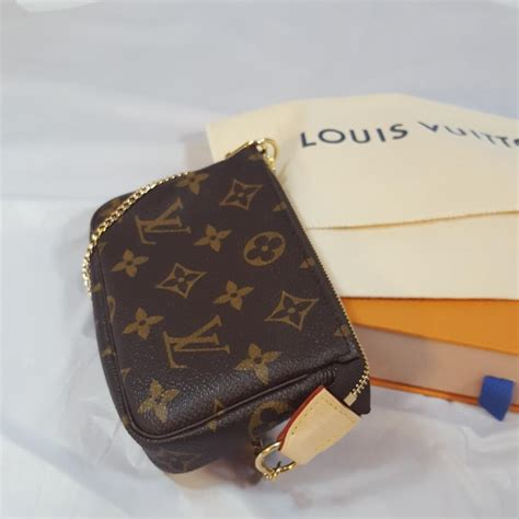 L Is Vuitton Clutch louis vuitton pochette mini clutch tradesy