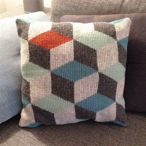 Tunisian Crochet Pillow by Tunisian Crochet Pillow 3d Blocks Crochet Pattern By