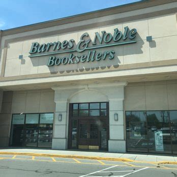 barnes and noble knoxville tennessee barnes noble booksellers 30 photos 14 reviews