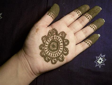 Simple and easy mehndi designs for kids kids can apply these mehndi