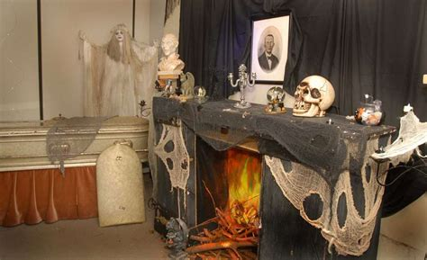 hoppers haunted house funeral museum scares up some halloween fun houston chronicle