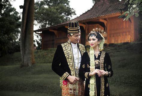 Weddingku Adat Batak by Melati Putih Cantik Untuk Rias Tradisi Weddingku