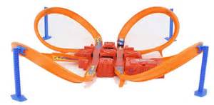 Amazon com hot wheels criss cross crash track set toys amp games