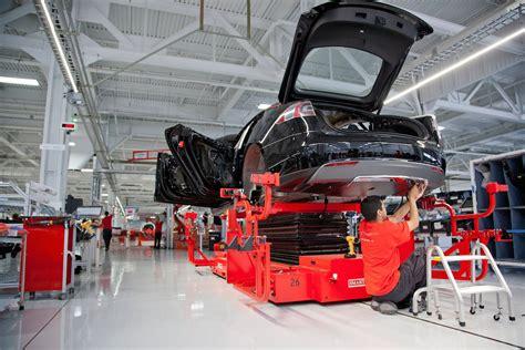 Tesla Assembly Tesla Puts Stop To Production Line For Upgrades Tesla