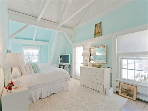 house   betsey johnsons subdued hamptons