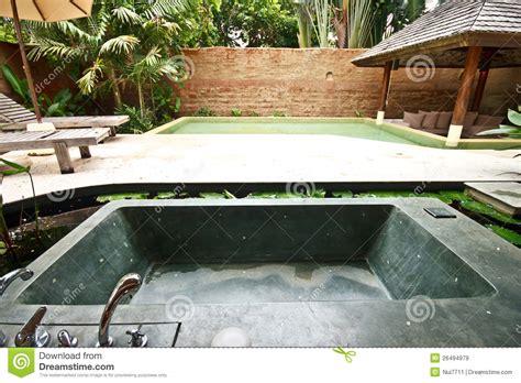 vasca da bagno esterna vasca da bagno esterna della in giardino 4