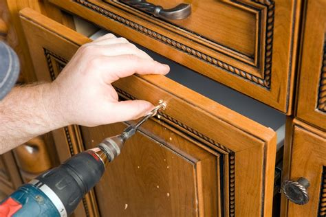 install cabinet hardware  simple tools