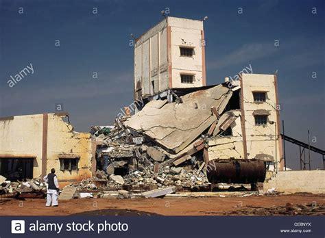 earthquake gujarat bhuj earthquake damaged factory kutch gujarat india