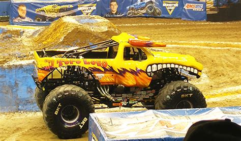 sacramento monster truck show sacramento monster jam 2016 recap mom s blog