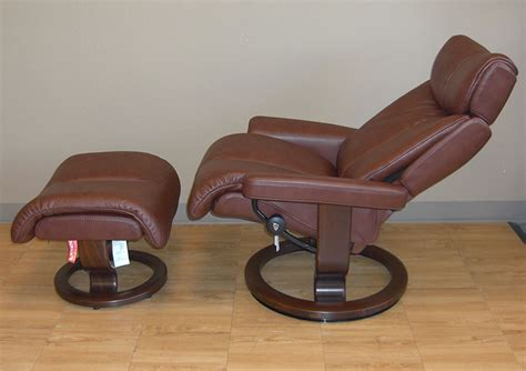 back saver classic recliner stressless royalin brown leather by ekornes stressless