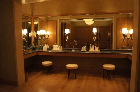 Vanity Salon Dubai by 78 Best Images About Spa Locker Rooms On