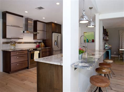 like the small kitchen concept and can have island with hermanos a la obra jonathan y drew scott el blog del
