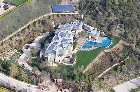 Tom Buys A Mansion by Dr Dre Will Gisele Bundchens And Tom Bradys 50 Millonen