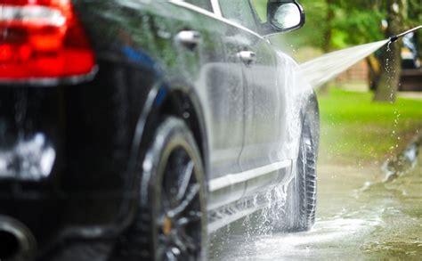 10 astuces incroyables pour nettoyer sa voiture les