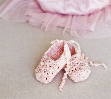 baby crochet shoes free pattern 25 cutest free crochet baby bootie patterns