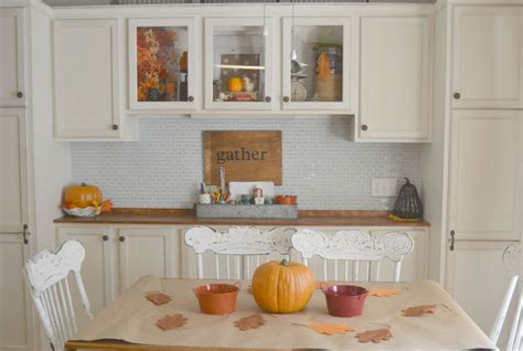 to decorate home lindsay eidahl fall house tour diy fall decorating ideas