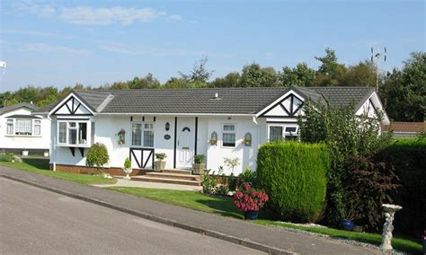 lodge park retirement mobile home park tadworth