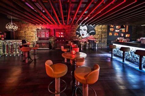 Falls Asleep In Vegas Nightclub by Clubber Falls Asleep In Birmingham Nightclub Loo And Is